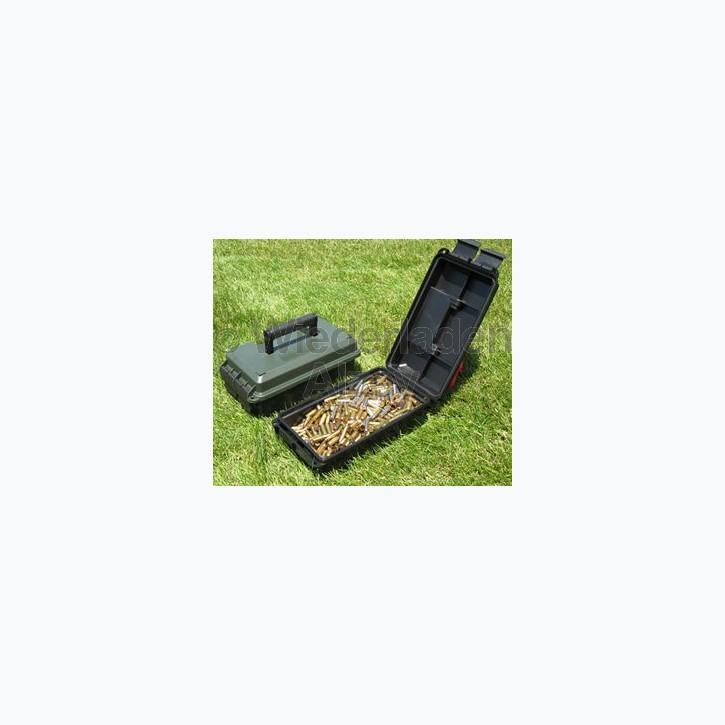 MTM Munitionskiste, Größe aussen ca. 19 x 34 x 13 cm, innen ca. 15 x 28 x 9 cm. Mit O-Ring im Deckel daduch wasserdicht, mit Vorhängeschloss verschließbar, Farbe waldgrün, Art.-Nr.: AC30-C11